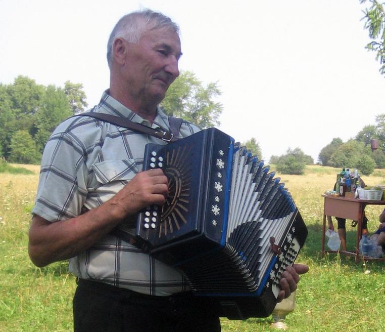 Михаил Иванович Сунцов: с гармошкой по жизни
